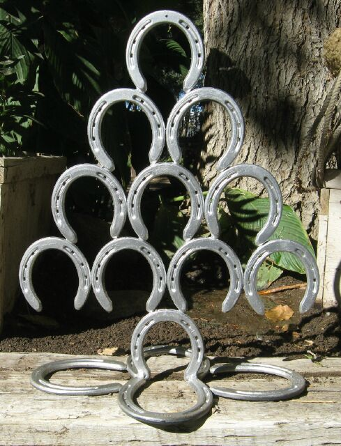 Horseshoe art for How to decorate horseshoes